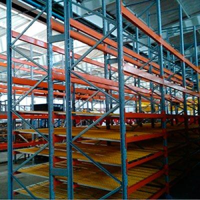 Estrutura com Rodízios Tipo Flow Rack em São Paulo - SP